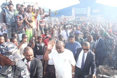 Fire: Wike Meets Traders At Burnt Fruit And Vegetable Market@thegleamer.com