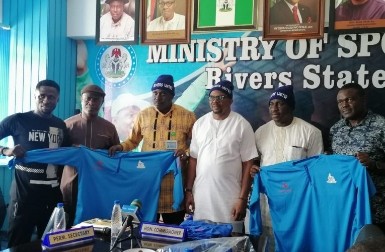 Ottasolo Donates Tracksuits and Hood to Rivers United